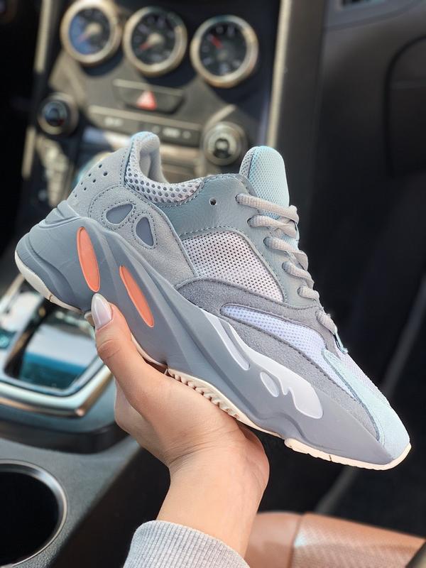 Шикарные кроссовки adidas yeezy 700 inertia
