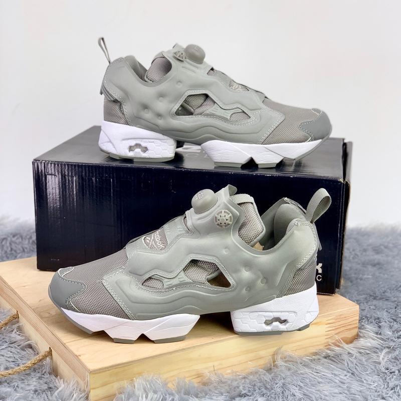 Шикарные женские кроссовки reebok insta pump fury grey