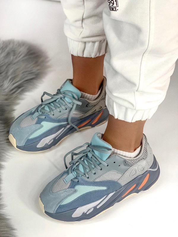 Шикарные женские кроссовки аdidas yeezy boost 700 inertia