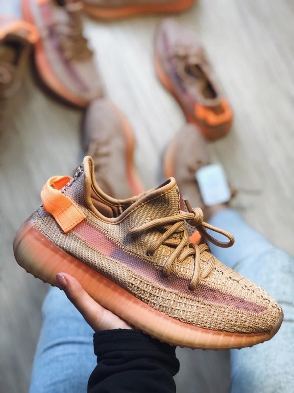 Шикарные женские кроссовки adidas yeezy 350 v2 clay