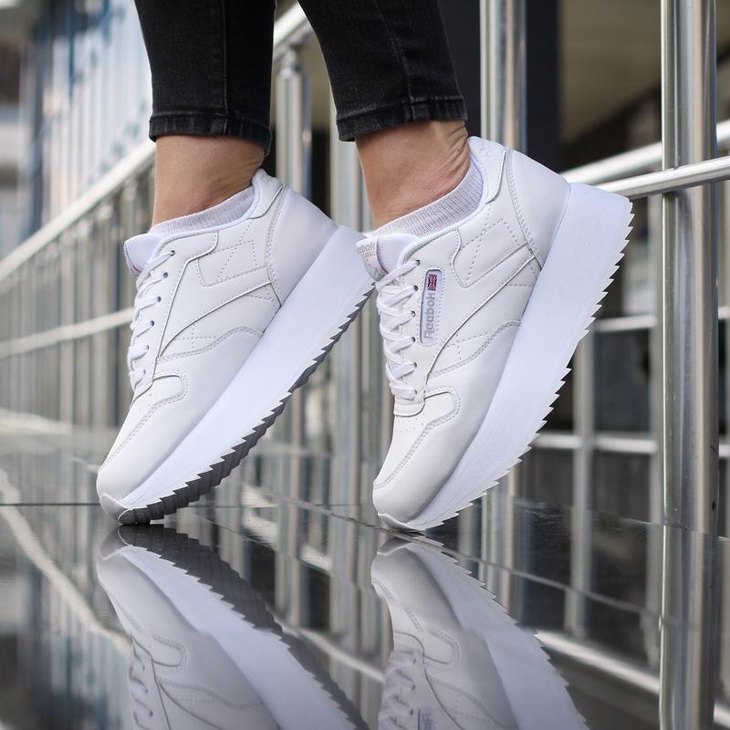 Шикарные женские кроссовки reebok classic белые