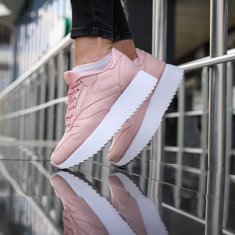 Шикарные женские кроссовки reebok classic розовые