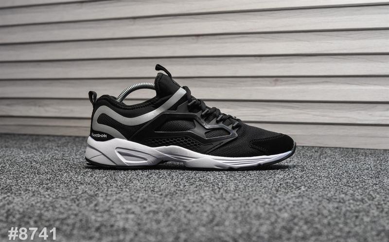 Шикарные мужские кроссовки reebok fury чёрные с белым