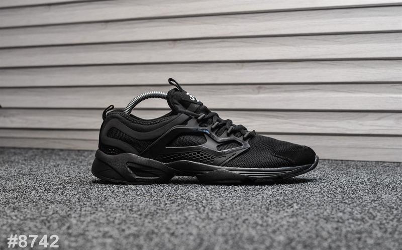Шикарные мужские кроссовки reebok fury чёрные