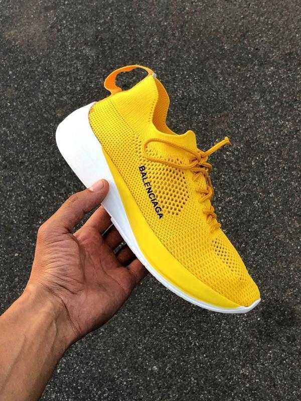 Шикарные женские кроссовки яркого желтого цвета бюджетные