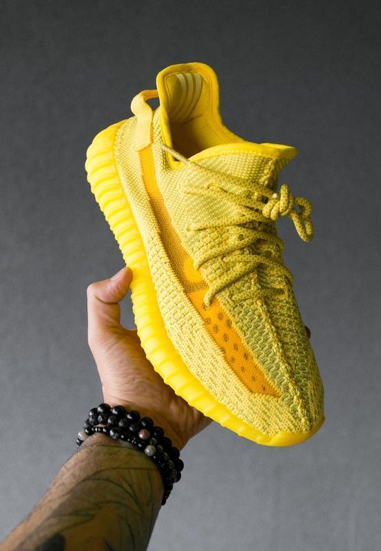 Шикарные женские кроссовки adidas yeezy boost 350 v2 yellow жё...