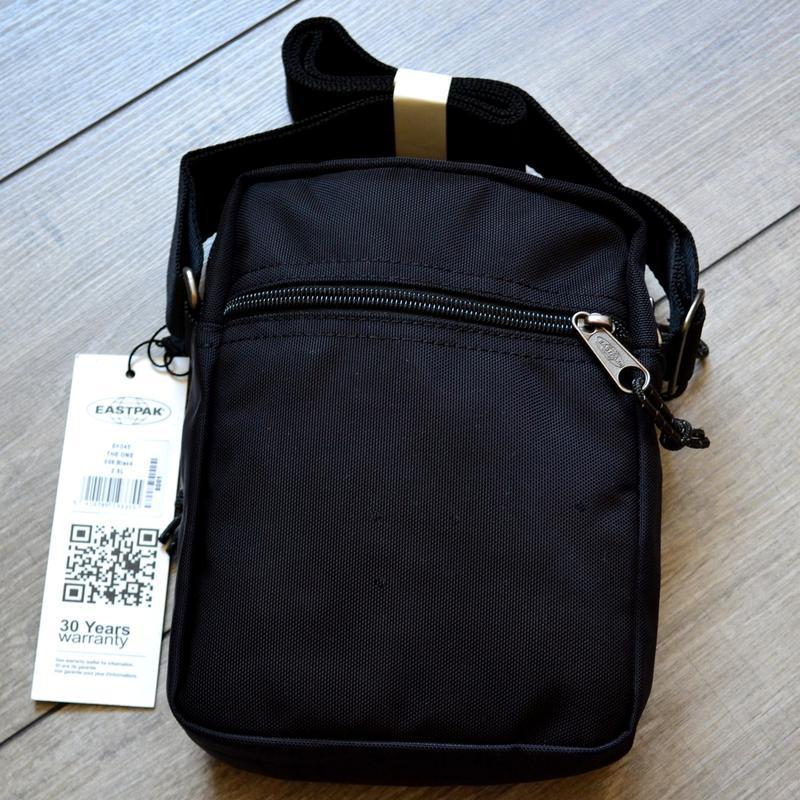 Сумка месенджер eastpak the one messenger bag ek045 190 black ... - Фото 3