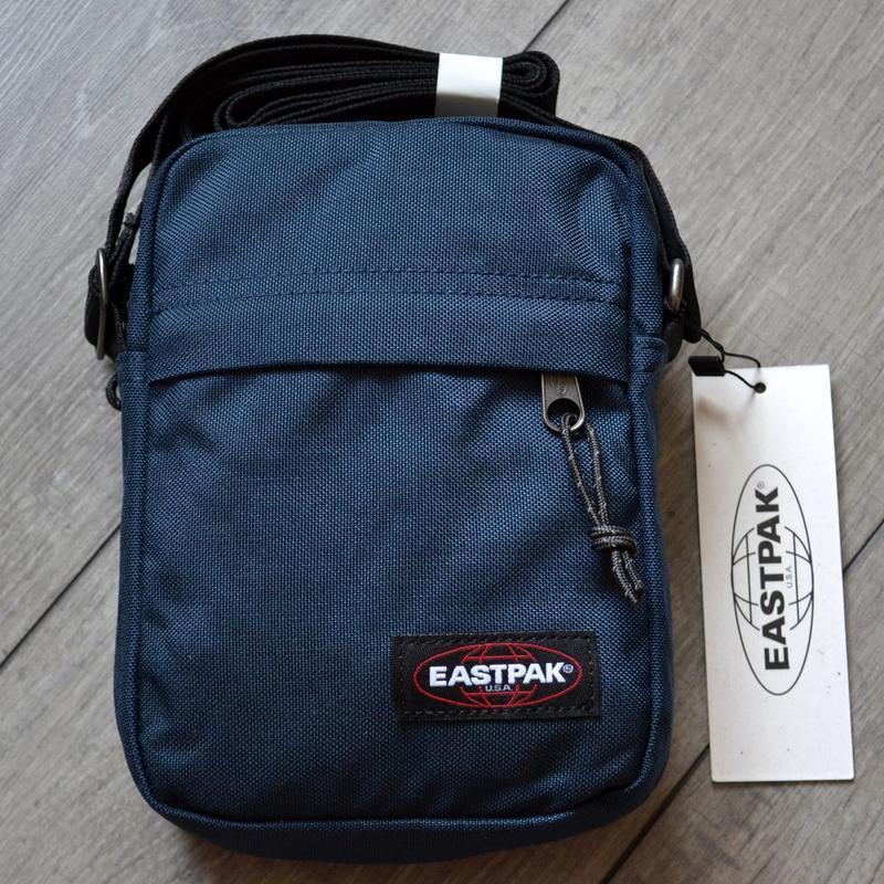 Сумка месенджер eastpak the one messenger bag ek045 190 planet...