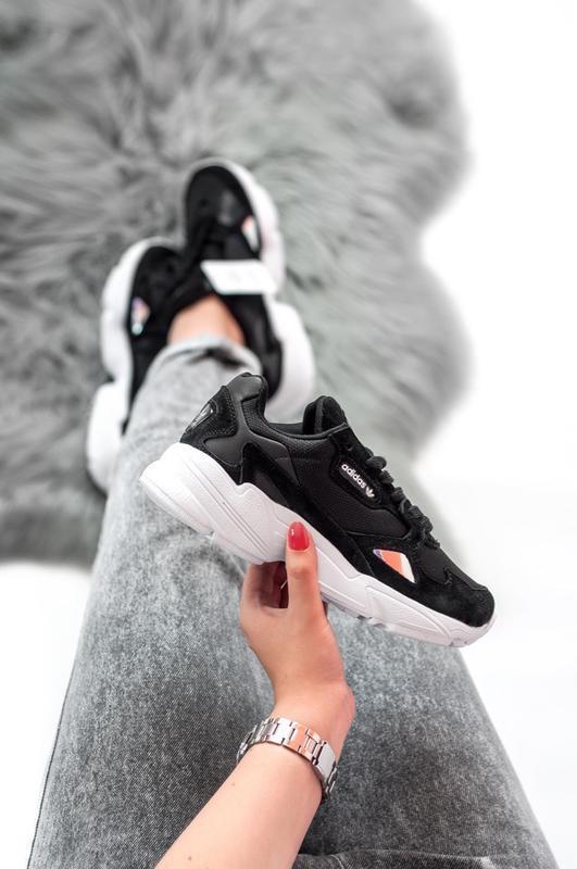 Шикарные женские кроссовки adidas falcon black чёрные