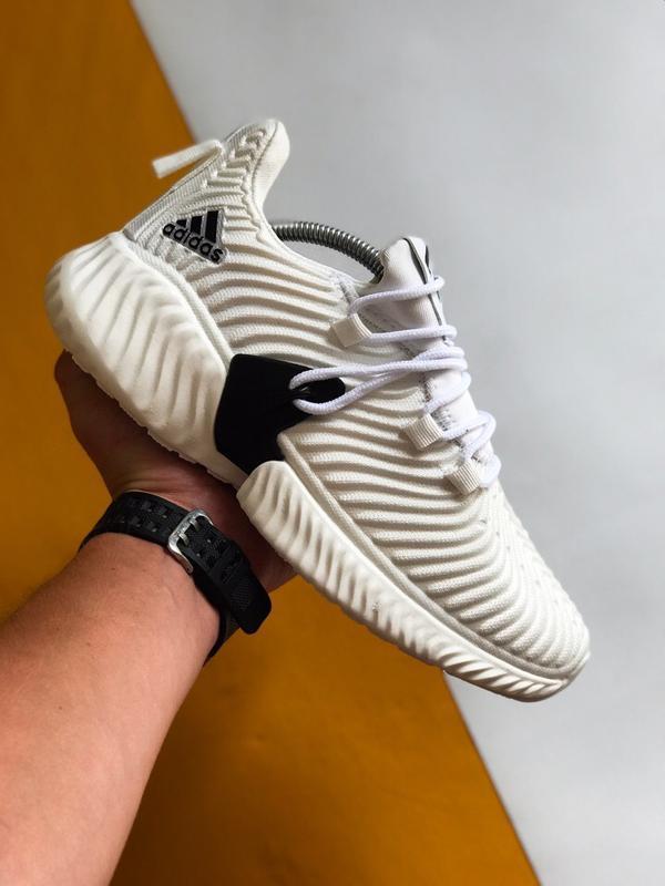 Шикарные мужские кроссовки adidas alphabounce instinct белые