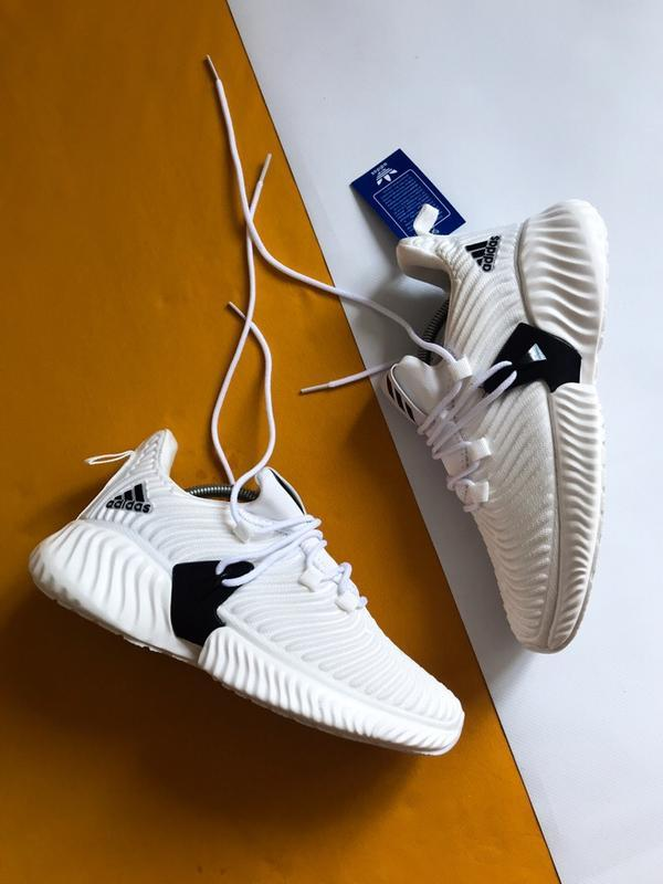 Шикарные мужские кроссовки adidas alphabounce instinct белые - Фото 5