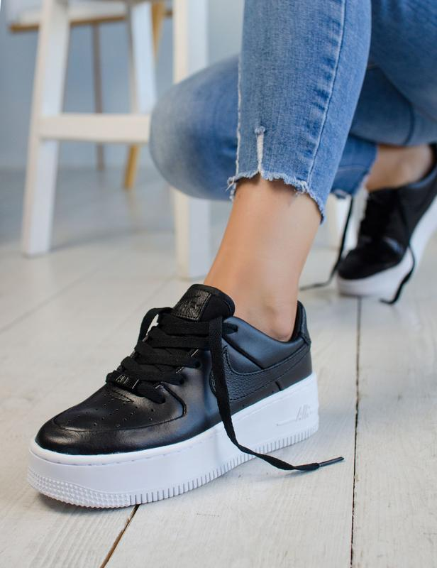 Шикарные женские кроссовки nike air force 1 low black на платф...
