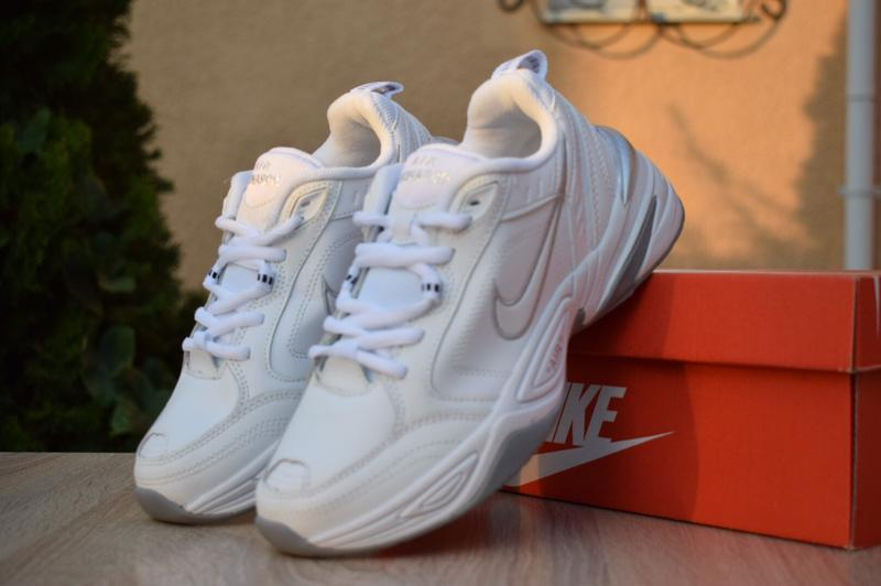 Шикарные женские кроссовки nike air monarch белые с серым