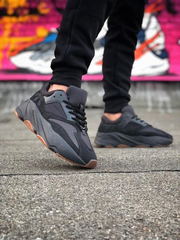 Шикарные кроссовки adidas yeezy boost 700 black