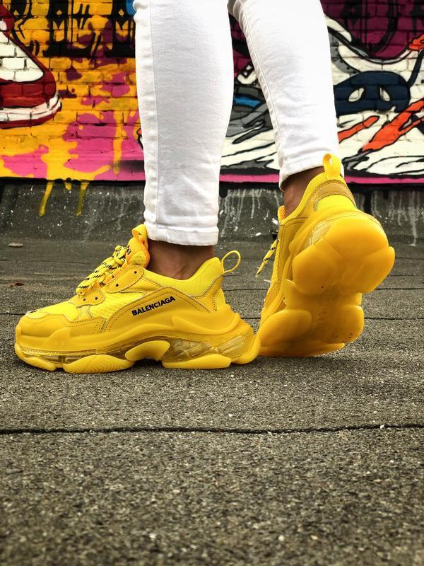 Шикарные женские кроссовки balenciaga triple s желтые