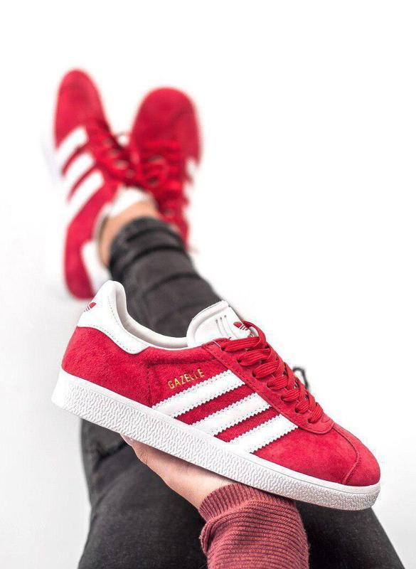 Шикарные женские кроссовки adidas gazelle red красные