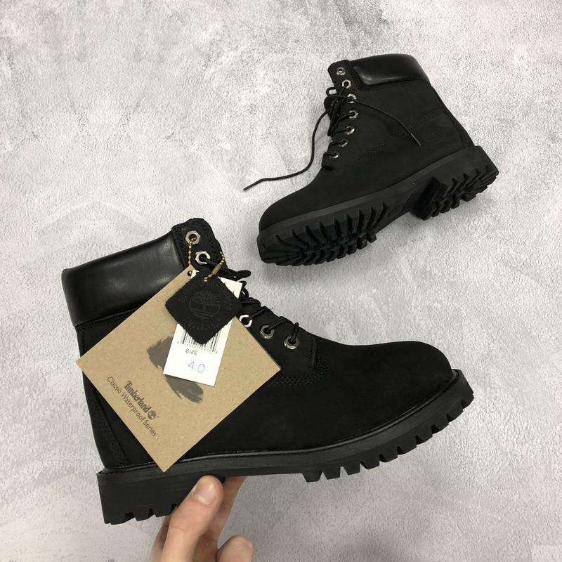 Шикарные ботинки timberland boots чёрные с мехом