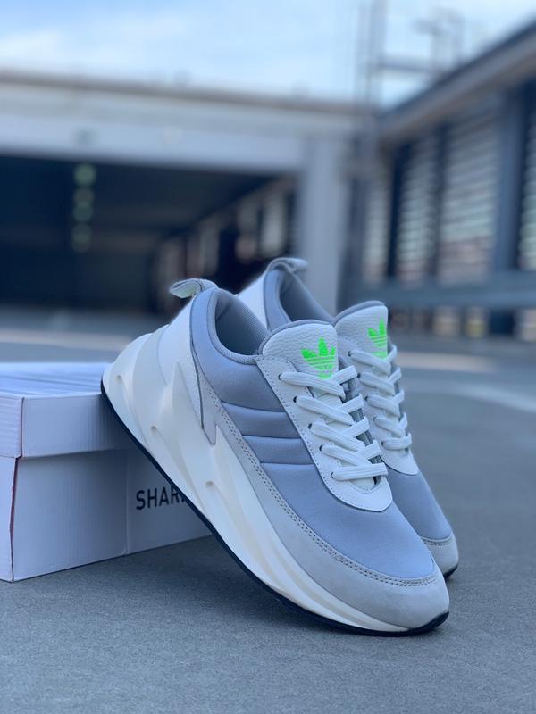 Шикарные женские кроссовки adidas sharks boost light grey - Фото 3