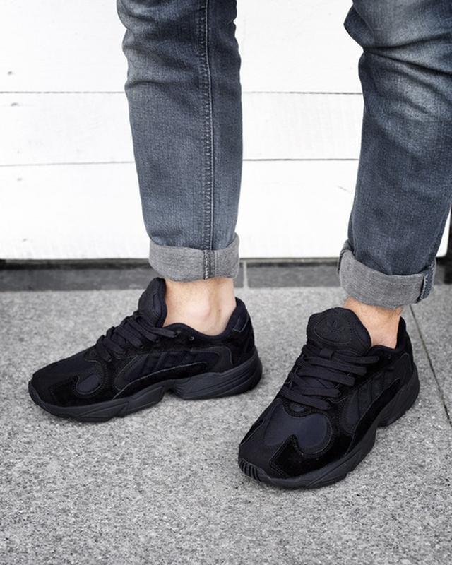 Шикарные кроссовки adidas yung-1 black чёрные