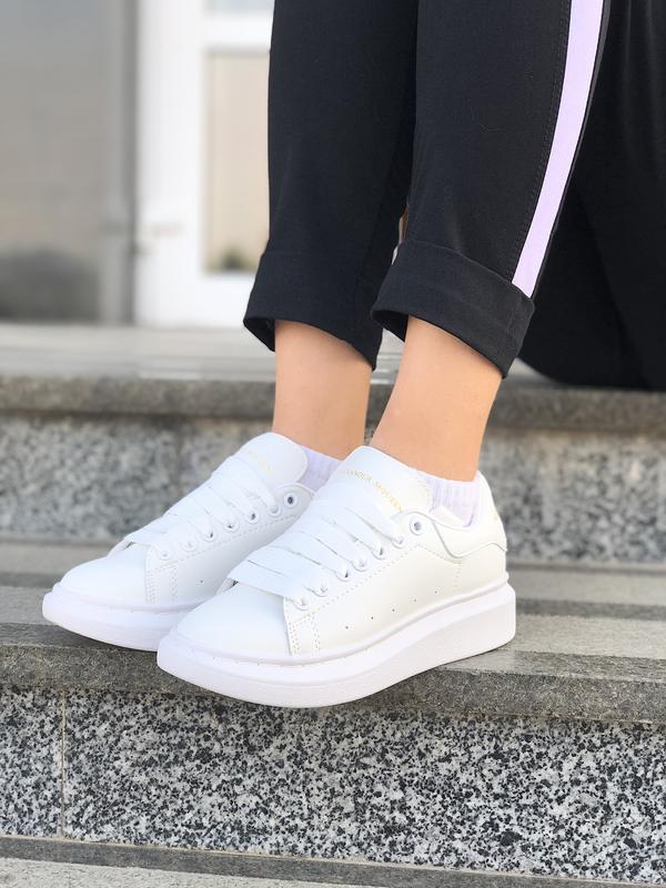Шикарные женские кроссовки alexander mcqueen white белые