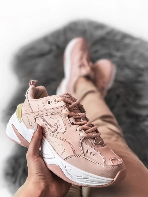 Шикарные женские кроссовки nike tekno m2k розовые