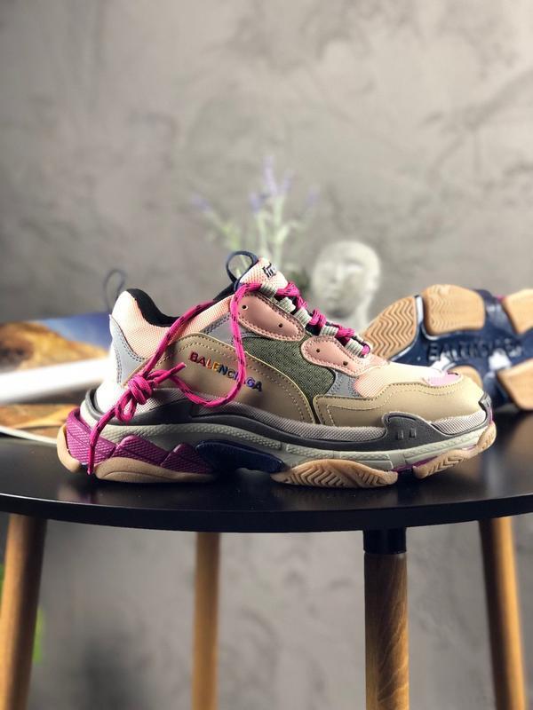 Шикарные женские кроссовки balenciaga triple s pink beige rain...