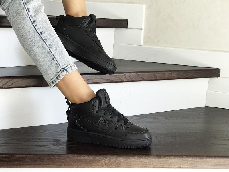 Шикарные женские кроссовки nike air force 1 high с мехом высок...