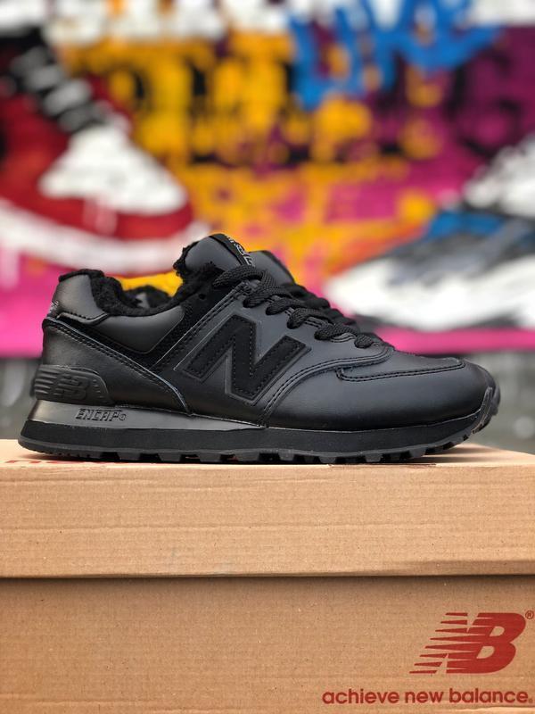 Шикарные женские кроссовки new balance 574 чёрные с мехом зимн...