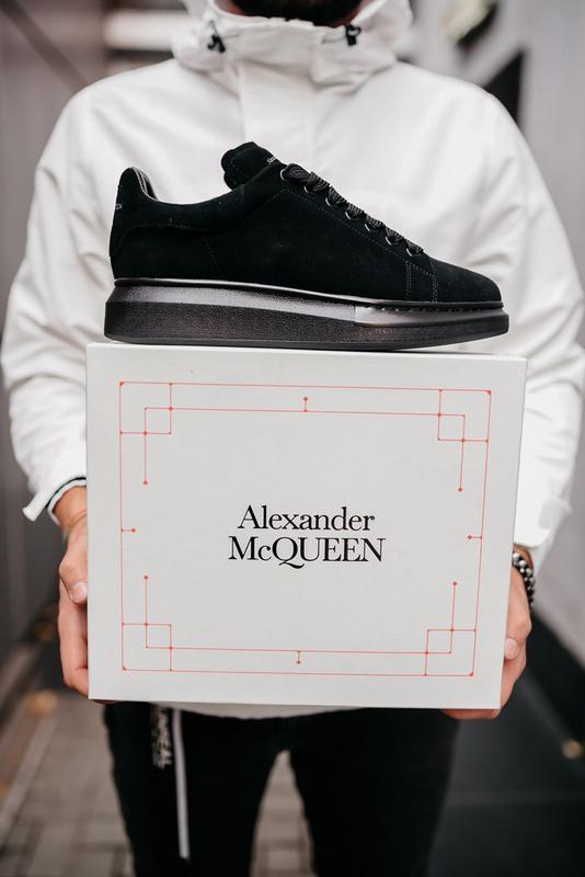 Шикарные мужские кроссовки alexander mcqueen black чёрные замш...