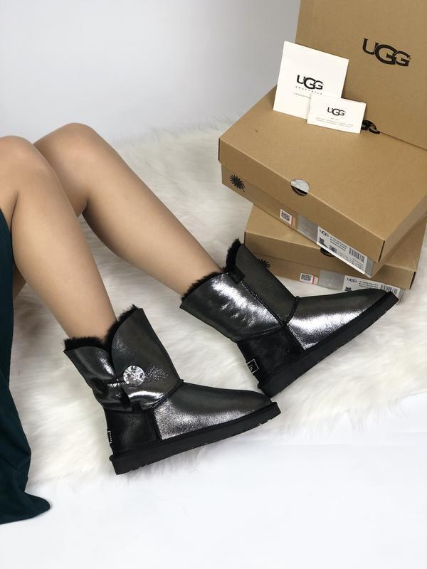 Шикарные женские сапоги угги ugg leather bailer button black ч... - Фото 3