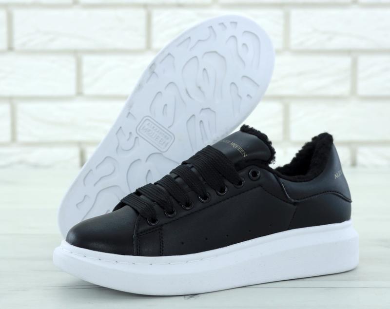 Шикарные женские кроссовки alexander mcqueen black чёрные с ме...