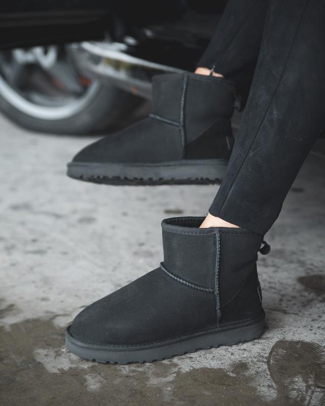 Шикарные женские сапоги угги ugg classic ii mini black чёрные😃...