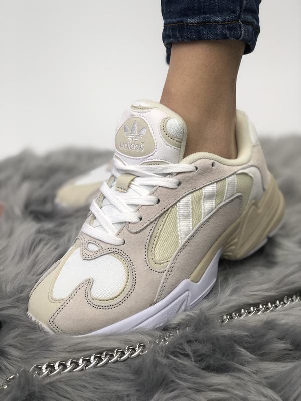 Шикарные женские кроссовки adidas yung-1 бежевые с белым 😃 (ве... - Фото 4