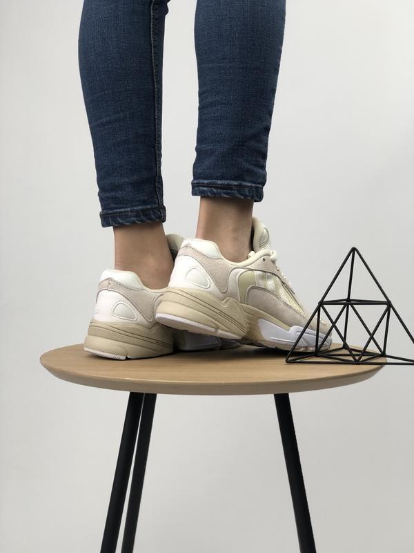 Шикарные женские кроссовки adidas yung-1 бежевые с белым 😃 (ве... - Фото 6