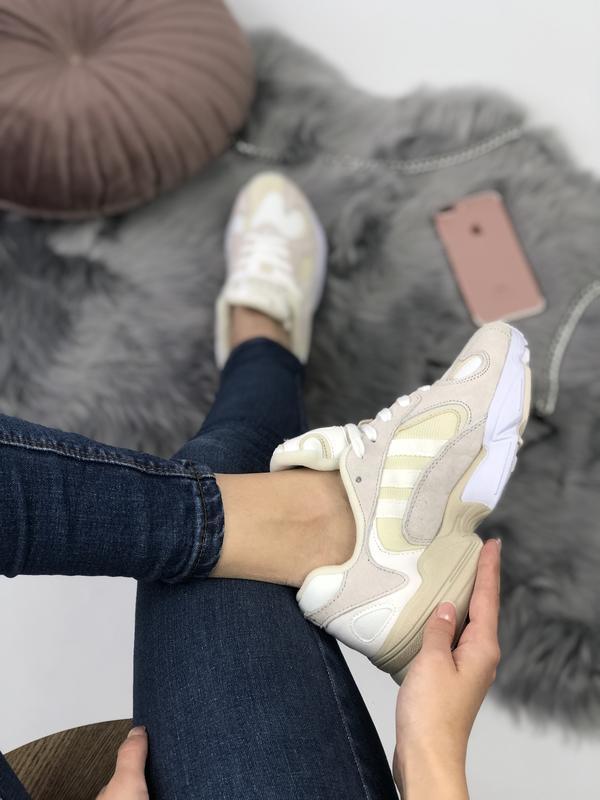 Шикарные женские кроссовки adidas yung-1 бежевые с белым 😃 (ве... - Фото 7
