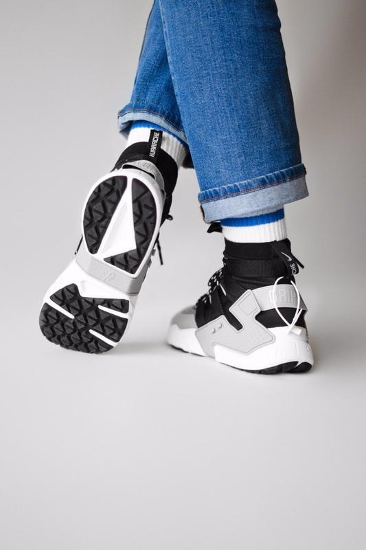Шикарные мужские кроссовки nike huarache gripp triple black gr... - Фото 5