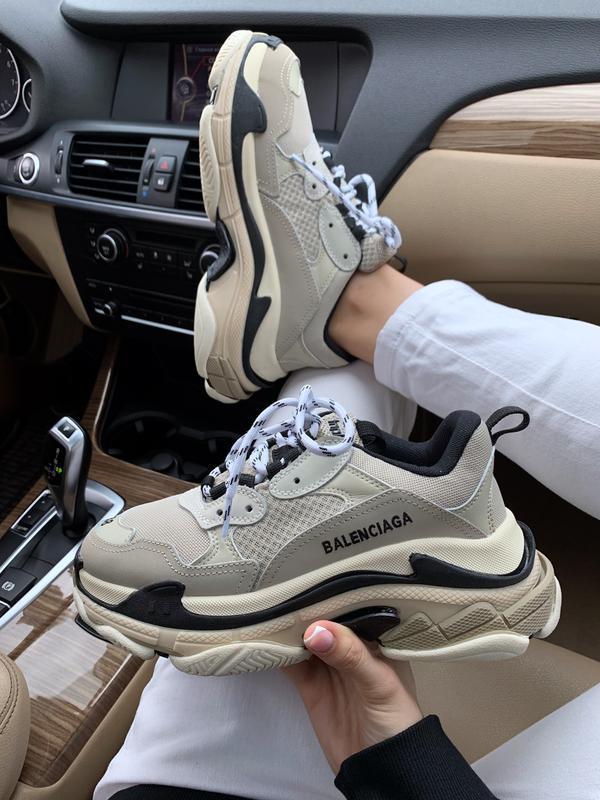Шикарные женские кроссовки balenciaga triple s beige бежевые с...