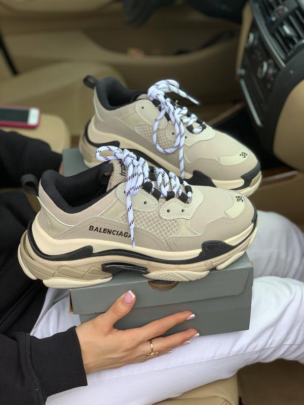 Шикарные женские кроссовки balenciaga triple s beige бежевые с... - Фото 2