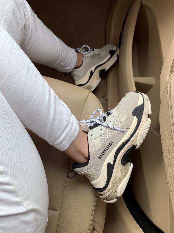 Шикарные женские кроссовки balenciaga triple s beige бежевые с... - Фото 5