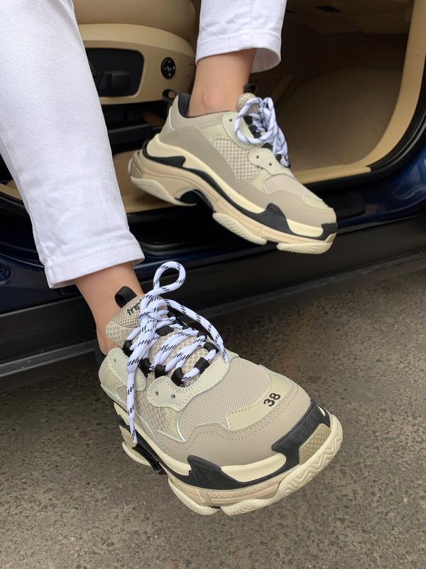 Шикарные женские кроссовки balenciaga triple s beige бежевые с... - Фото 6