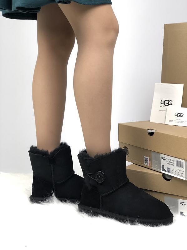 Ugg bailey button mini black шикарные женские сапоги угги на м...