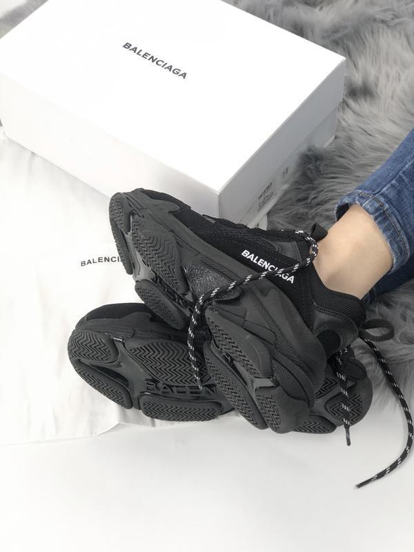 Balenciaga triple s black шикарные женские кроссовки чёрные ве... - Фото 2