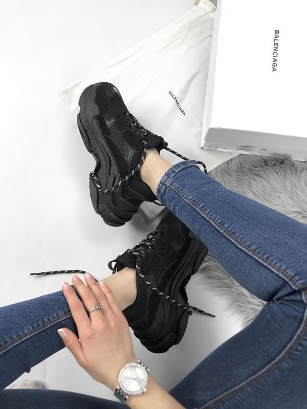Balenciaga triple s black шикарные женские кроссовки чёрные ве... - Фото 3