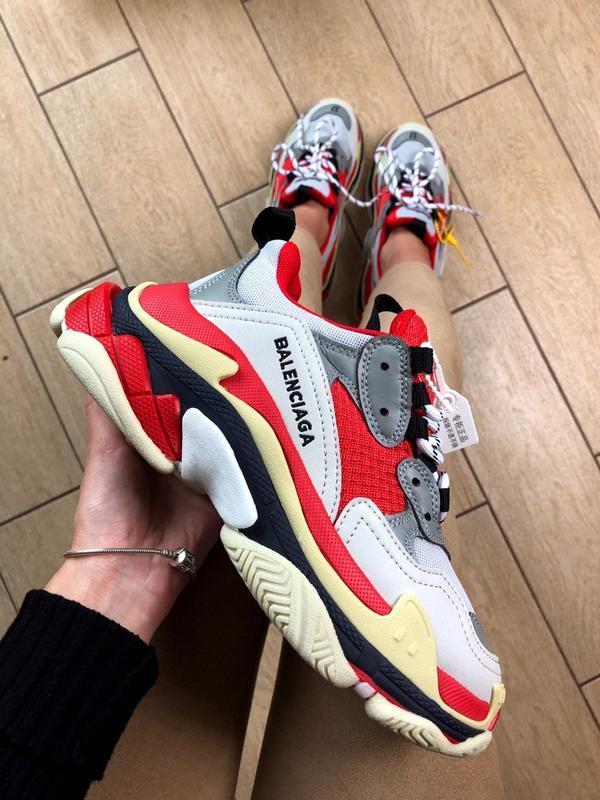 Balenciaga triple s grey red шикарные женские кроссовки осень ...