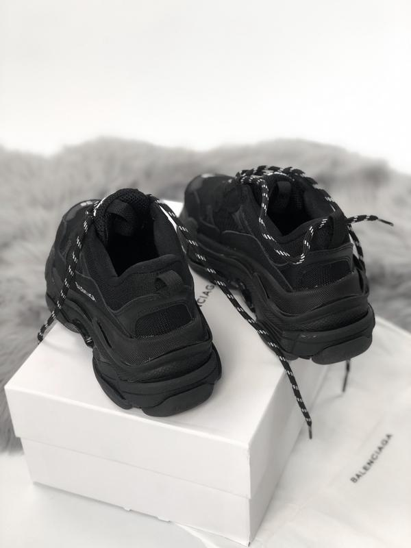 Balenciaga triple s black шикарные женские кроссовки чёрные ве... - Фото 5