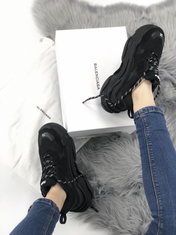 Balenciaga triple s black шикарные женские кроссовки чёрные ве... - Фото 7