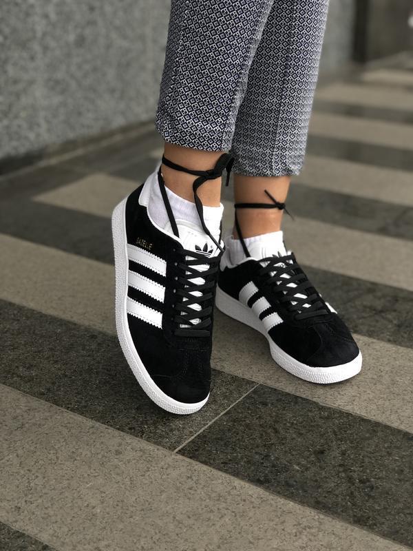 Adidas gazelle black шикарные женские кроссовки весна лето осень
