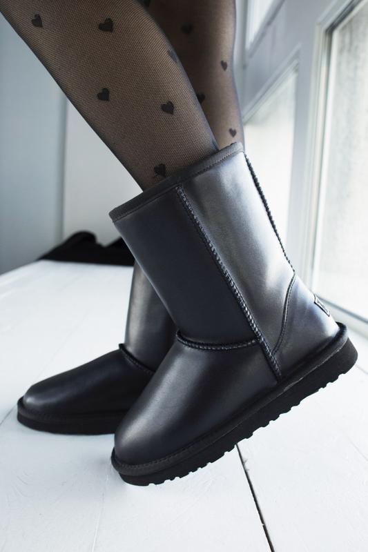 Ugg classic black 2 шикарные женские сапоги угги чёрные с мехо... - Фото 3