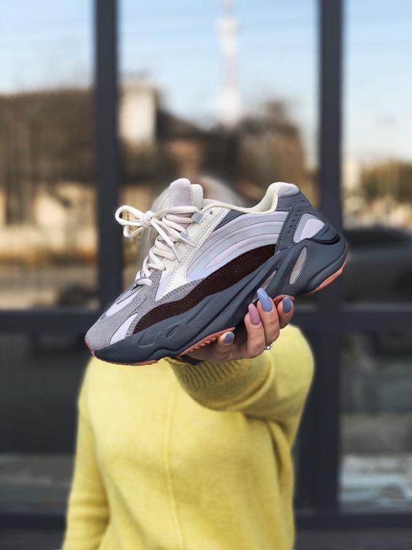Adidas yeezy 700 v2 cement шикарные женские кроссовки весна ос...