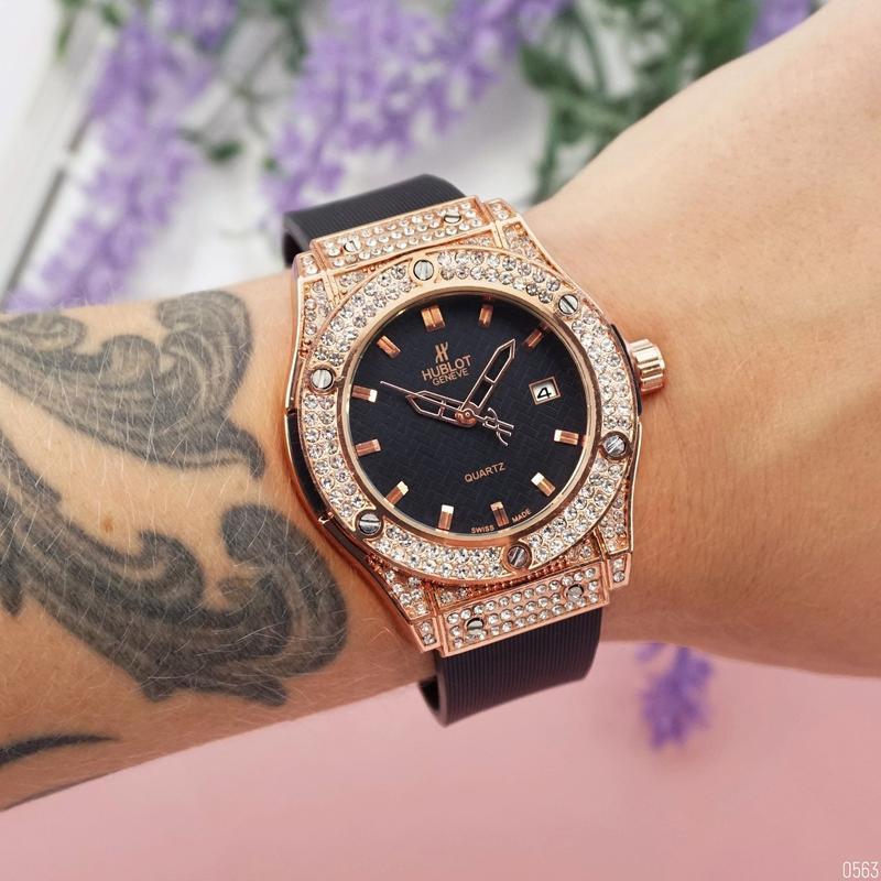 Hublot big bang шикарные женские часы золотистые наручные крас...